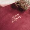 ewelina zieba pudelko na zdjecia malinowy roz z napisem nasza historia 06
