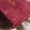 ewelina zieba pudelko na zdjecia malinowy roz ze zlotym napisem milosc 07