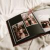ewelina zieba tradycyjny album na zdjecia malinowy roz ze zlotym napisem milosc 09